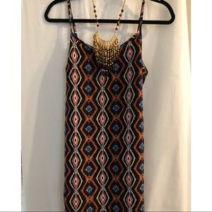 Dresses & Skirts - Great knee length dress size small.